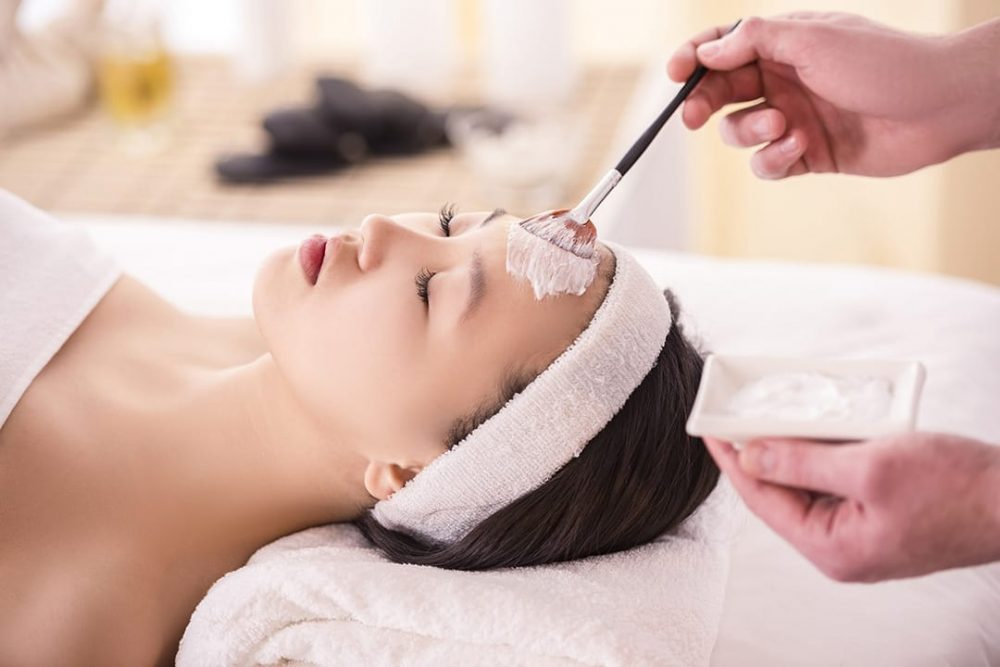 diVINE_SPA_Youth_Facial